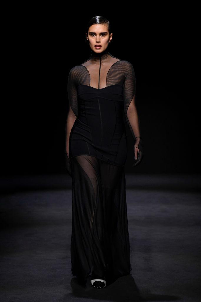 Тело как искусство: лучшие выходы curvy-модели Джилл Кортлев на Неделях моды (фото 4)