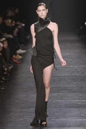 Показы мод Ann Demeulemeester Весна-лето 2011 | Подиум на ELLE - Подиум - фото 2517