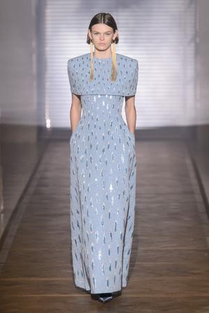 Показ Givenchy коллекции сезона Весна-лето 2018 года Haute couture - www.elle.ru - Подиум - фото 674721