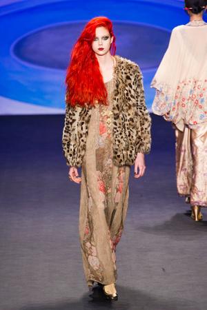 Показ Anna Sui коллекции сезона Осень-зима 2014-2015 года Prêt-à-porter - www.elle.ru - Подиум - фото 577676