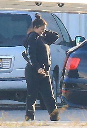 It's official: первые фото беременной Кайли Дженнер фото [2]