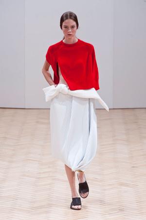 Показы мод JW Anderson Весна-лето 2014 | Подиум на ELLE - Подиум - фото 3566