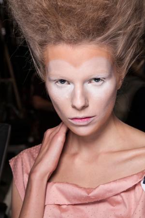 Показ Vivienne Westwood коллекции сезона Весна-лето 2013 года prêt-à-porter - www.elle.ru - Подиум - фото 458074