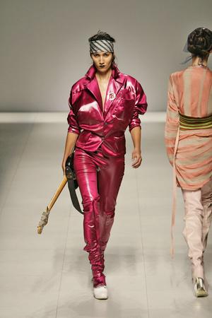 Показ Vivienne Westwood коллекции сезона Весна-лето 2009 года prêt-à-porter - www.elle.ru - Подиум - фото 85899
