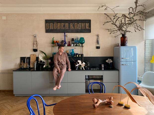 ELLE DECORATION в гостях у дизайнера Максима Лангуева (фото 0)