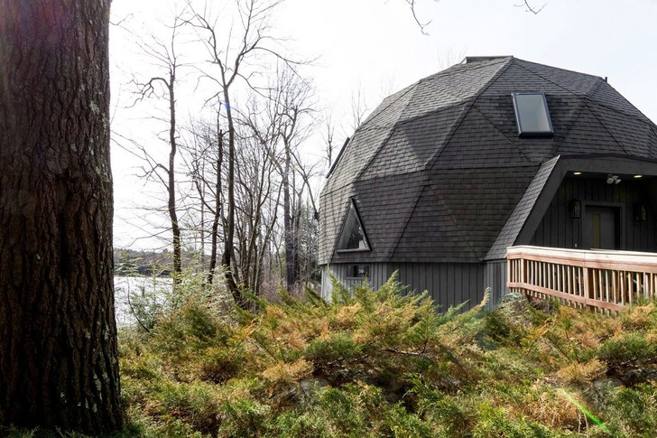 Под куполом: домик в горах Беркшир-Хилс (фото 0)