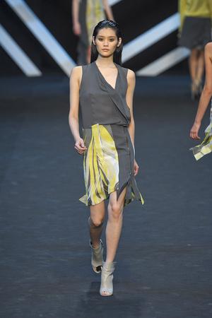 Показы мод Guy Laroche Весна-лето 2012 | Подиум на ELLE - Подиум - фото 1846