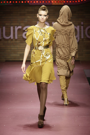 Показ Laura Biagiotti коллекции сезона Осень-зима 2009-2010 года prêt-à-porter - www.elle.ru - Подиум - фото 96236