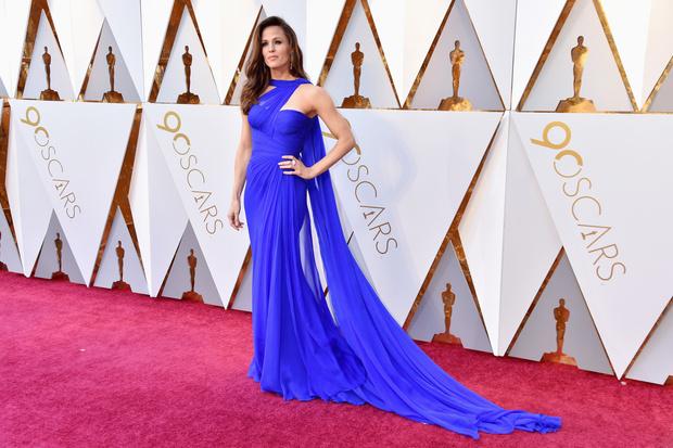 Роскошная Дженнифер Гарнер на красной дорожке «Оскара» (фото 5)