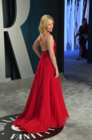 Eco-ELLE: платье Элизабет Бэнкс из 2004 года на «Оскаре-2020» (фото 2.2)