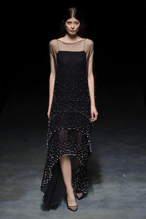 Показ Yiqing Yin коллекции сезона Весна-лето 2014 года Haute couture - www.elle.ru - Подиум - фото 575310