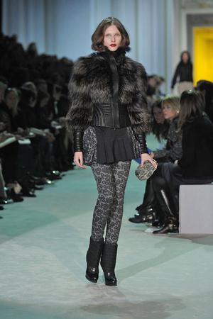 Показы мод Just Cavalli Осень-зима 2010-2011 | Подиум на ELLE - Подиум - фото 2775