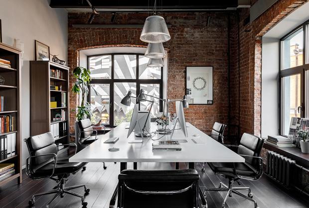 Атмосферный офис дизайн-студии Aiya Design в Москве (фото 3)
