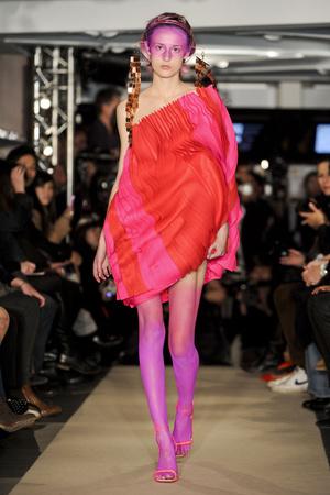 Показ Maurizio Galante коллекции сезона Весна-лето 2011 года Haute couture - www.elle.ru - Подиум - фото 216015