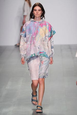 Показы мод Cristopher Raeburn Весна-лето 2015 | Подиум на ELLE - Подиум - фото 4108