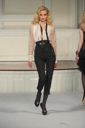 Показы мод Oscar de la Renta Осень-зима 2010-2011 | Подиум на ELLE - Подиум - фото 2824
