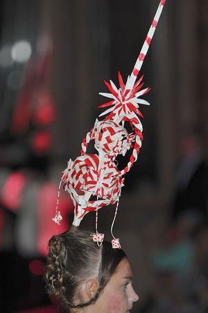 Показ Josep Font коллекции сезона Осень-зима 2009-2010 года Haute couture - www.elle.ru - Подиум - фото 88037