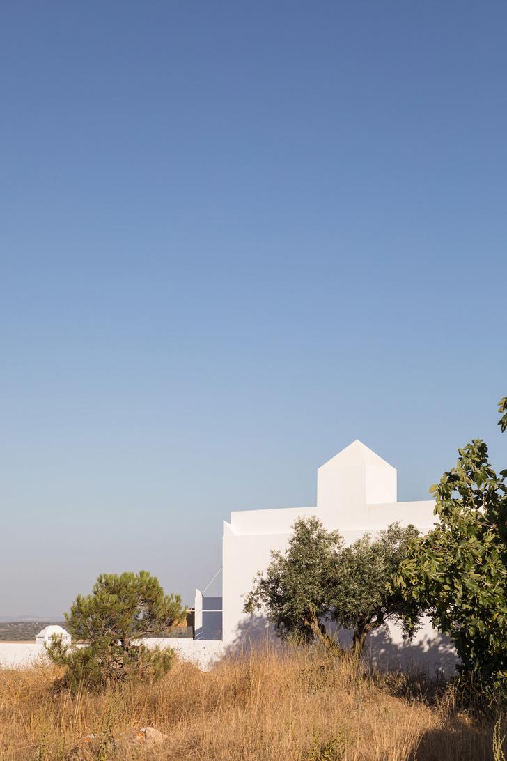Бутик-отель с арт-объектами в португальской глубинке (фото 9)