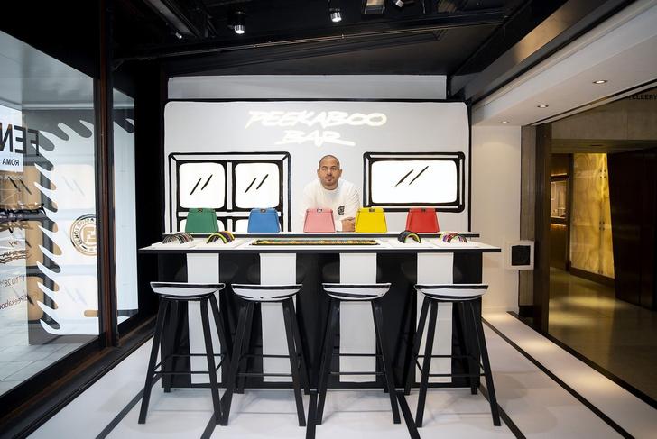 От руки: графическое pop-up кафе Fendi (фото 2)