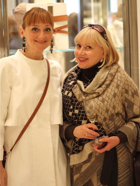 elena sotnikova (e-i-c elle) i elena karakoleva (elle interviewer)