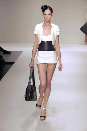 Показы мод Krizia Весна-лето 2010 | Подиум на ELLE - Подиум - фото 2995