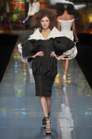Показ Christian Dior коллекции сезона Весна-лето 2009 года Haute couture - www.elle.ru - Подиум - фото 86405