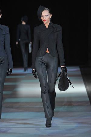 Показы мод Giorgio Armani Осень-зима 2009-2010 | Подиум на ELLE - Подиум - фото 3170