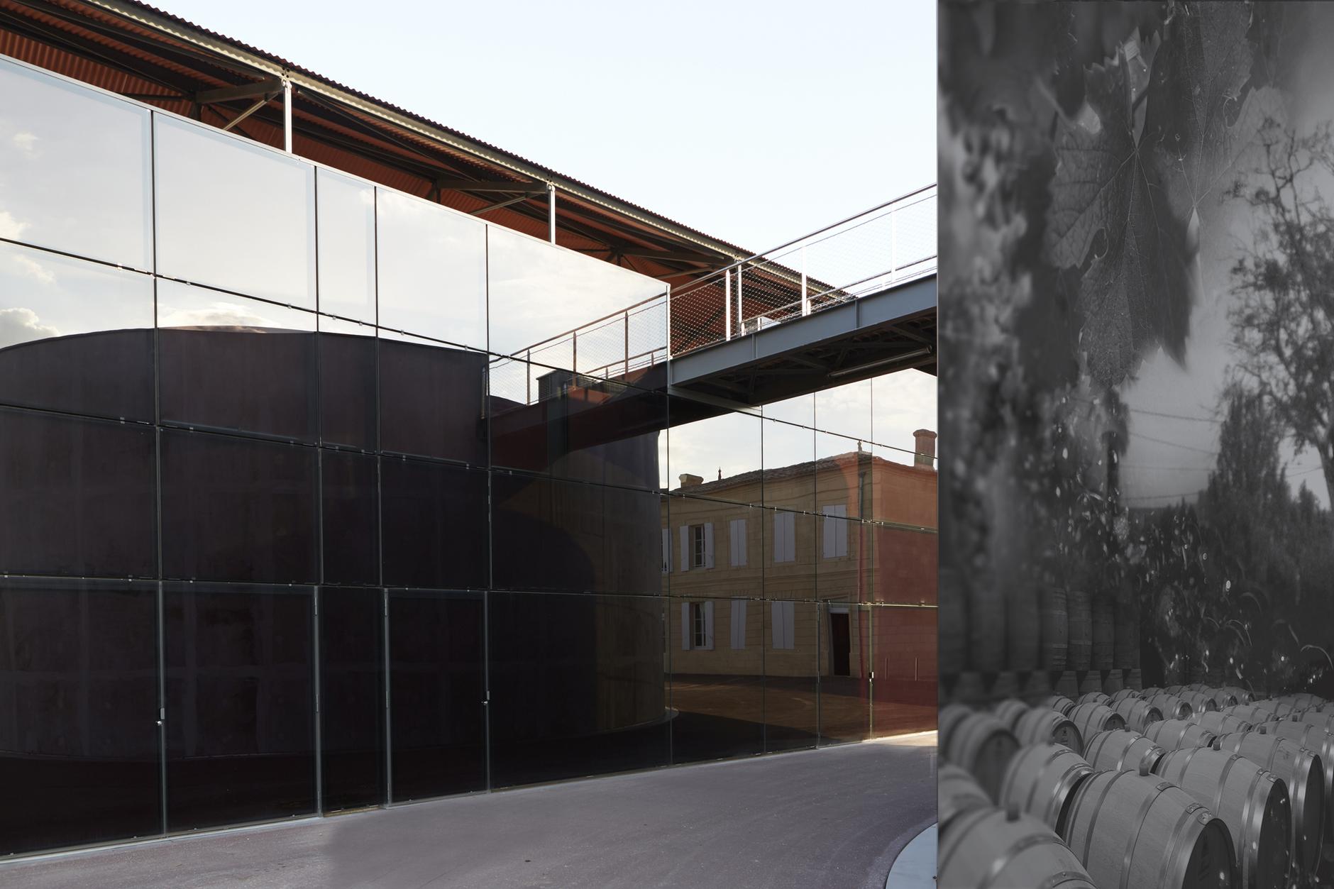 Жан Нувель построил винодельню для русского мецената (галерея 9, фото 1)