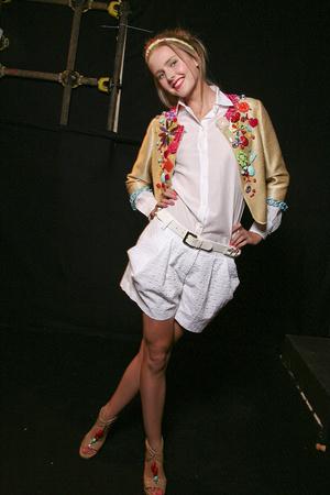 Показ Moschino Cheap & Chic коллекции сезона Весна-лето 2011 года Prêt-à-porter - www.elle.ru - Подиум - фото 184233