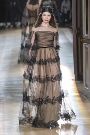 Показ Yanina Couture коллекции сезона Весна-лето 2018 года Haute couture - www.elle.ru - Подиум - фото 674311
