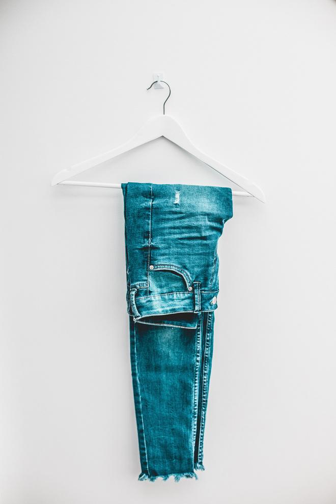 Не мытьем, так катаньем: как ухаживать за джинсами, чтобы они долго носились (фото 0)