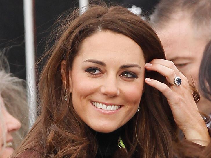 Почему Кейт Миддлтон никогда не красит ногти ярким лаком? фото [9]