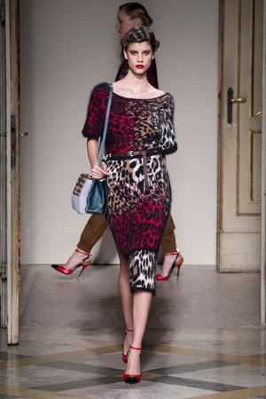 Показы мод Angelo Marani Осень-зима 2014-2015 | Подиум на ELLE - Подиум - фото 3910