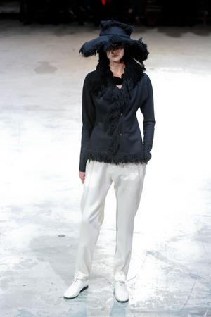 Показы мод Yohji Yamamoto Осень-зима 2013-2014 | Подиум на ELLE - Подиум - фото 628