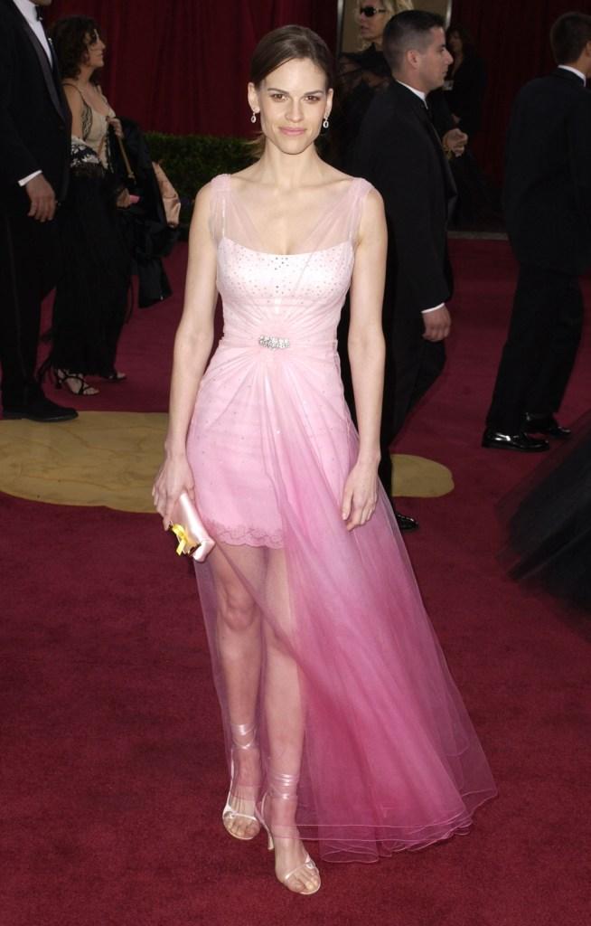 23eb2b4b0ee90be 20 худших платьев за всю историю «Оскара» | Звездный стиль на www.elle.ru