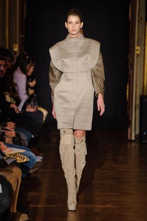 Показы мод Steffie Christiaens Осень-зима 2013-2014 | Подиум на ELLE - Подиум - фото 669