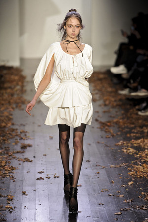 Показ Daniel Vosovic коллекции сезона Осень-зима 2011-2012 года Prêt-à-porter - www.elle.ru - Подиум - фото 230529