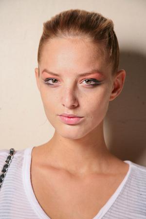 Показ Giorgio Armani Privé коллекции сезона Осень-зима 2011-2012 года haute couture - www.elle.ru - Подиум - фото 278183