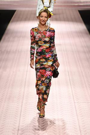 В духе Met Gala: звездопад на показе Dolce&Gabbana (фото 2.2)