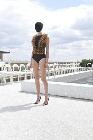 Показ Maison Martin Margiela коллекции сезона Осень-зима 2009-2010 года Haute couture - www.elle.ru - Подиум - фото 88132