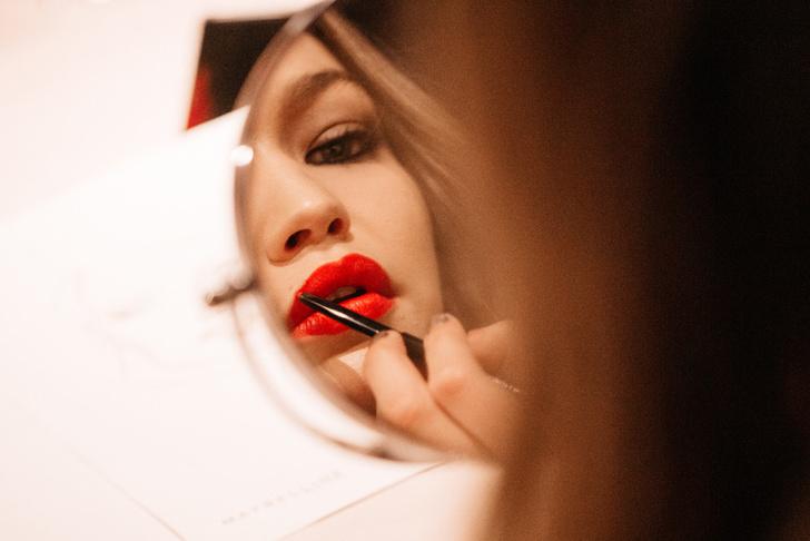Все, что нужно знать о новой коллекции макияжа Gigi Hadid X Maybelline фото [9]