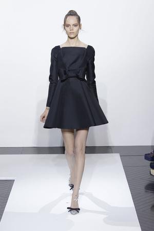 Показ Valentino коллекции сезона Осень-зима 2010-2011 года haute couture - www.elle.ru - Подиум - фото 168371