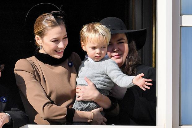 Семейное фото: принцесса Монако Беатрис Борромео впервые показала младшего сына (фото 4)