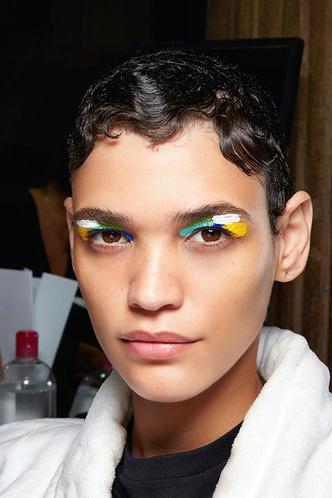 Beauty-тренд сезона: экспрессионизм (фото 4.1)