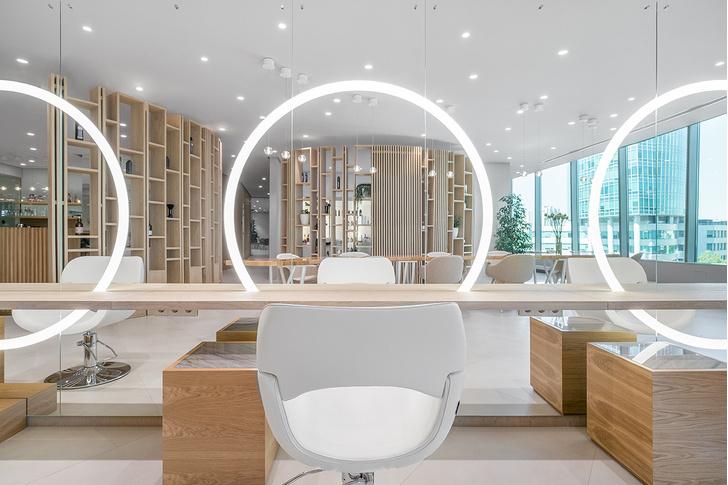 Белым по белому: новый салон красоты в Екатеринбурге (фото 0)