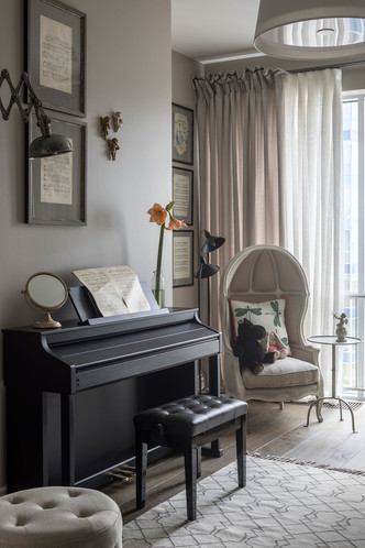 Квартира 200 квадратных метров в Москве: современный интерьер с налетом старины (фото 25)