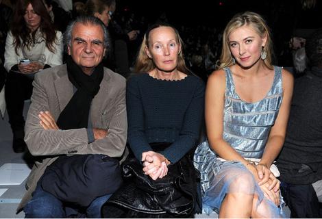 Патрик и Мия Демаршелье и Мария Шарапова на показе Marc Jacobs