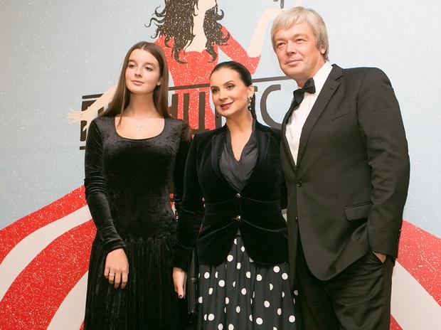 Олег и Екатерина Стриженовы с дочерью Александрой