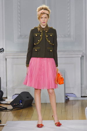 Показы мод Moschino Cheap & Chic Осень-зима 2012-2013 | Подиум на ELLE - Подиум - фото 1585