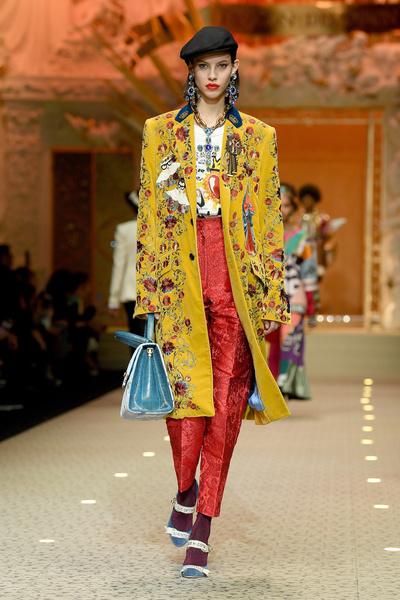 Вперед в будущее: в Милане прошел показ Dolce & Gabbana (галерея 3, фото 0)